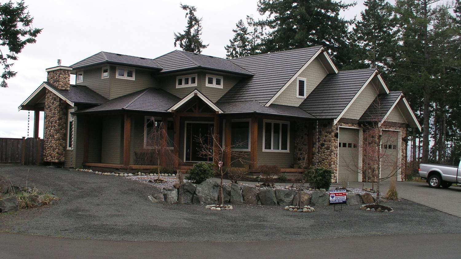 Residential roofing job in Courtenay